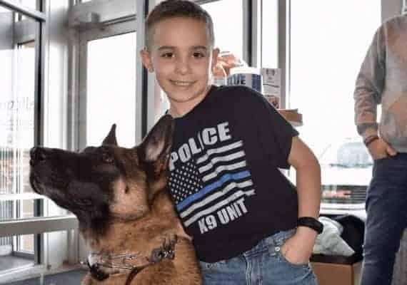 בריידי וכלב משטרה