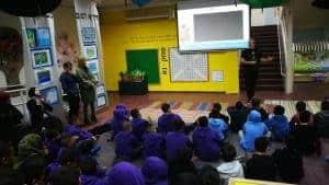 """יובל נאור במפגש עם תלמידים \\ צילום: צב""""ח ר""""ג והסביבה"""